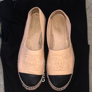 * slightly worn* Chanel Espadrille in Beige/Black